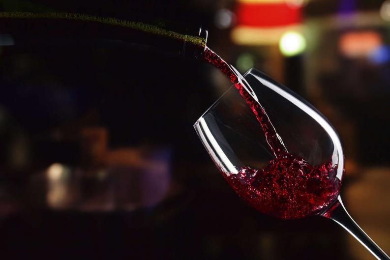 Hechizo del vino picante para el amor