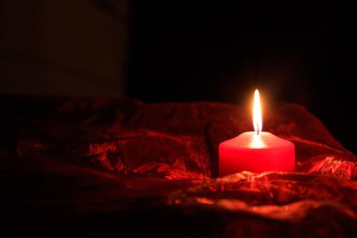 Hechizos con velas rojas para atraer el amor